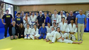 Sydney Uni supporters and fighters